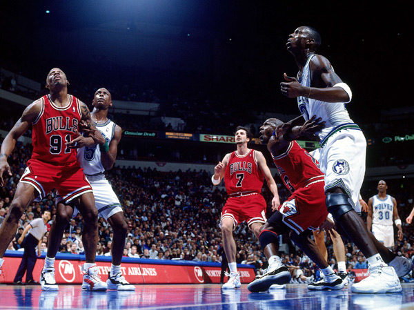 Michael Jordan and Kevin Garnett (1996) :: Getty Images