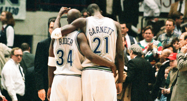 Isaiah Rider and Kevin Garnett (1996) :: Getty Images