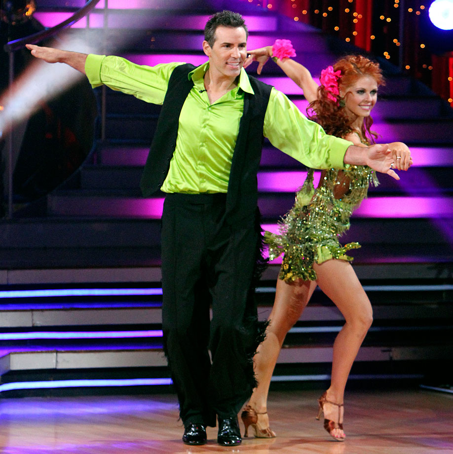 Retired NFL quarterback Kurt Warner finished in 5th place with dancing partner Anna Trebunskaya in Season 11.