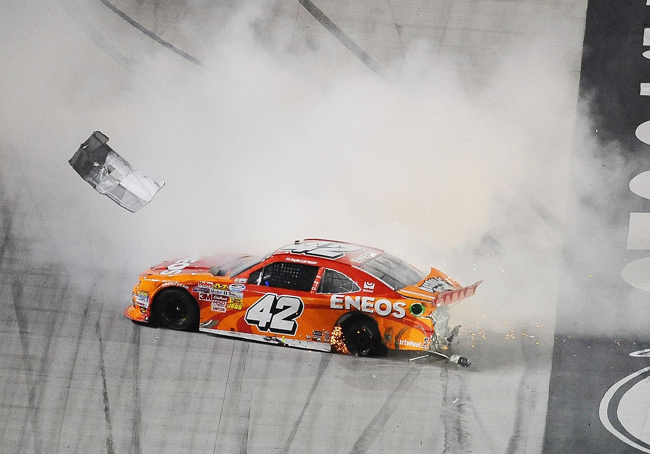 Kyle Larson spins out during the NASCAR Nationwide Series Food City 300 at Bristol Motor Speedway on August 22.