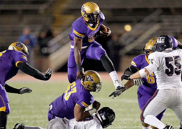 A star at St. Augustine, Leonard Fournette was the Gatorade Louisiana Player of the Year in '12 and '13.