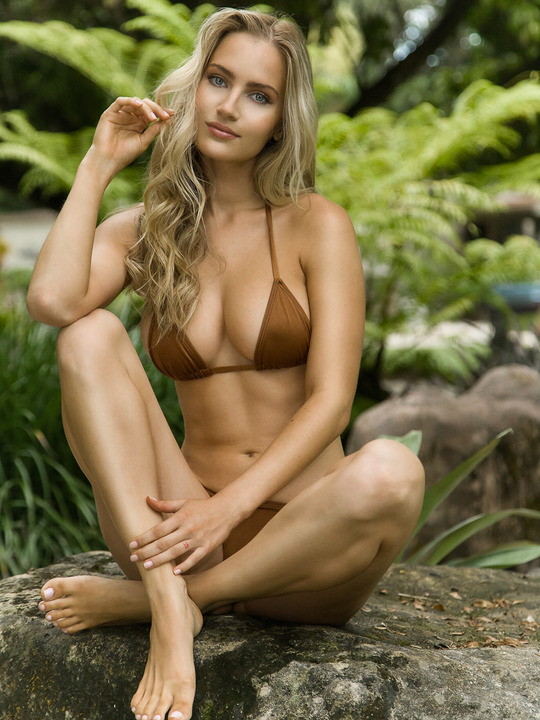 Lilly Sanders: 2016 SI Swimsuit Casting