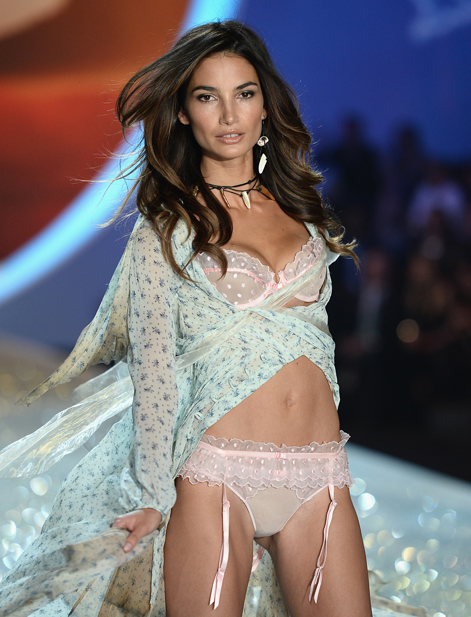 Lily Aldridge :: Getty Images