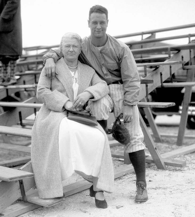 Lou Gehrig poses with his mother.