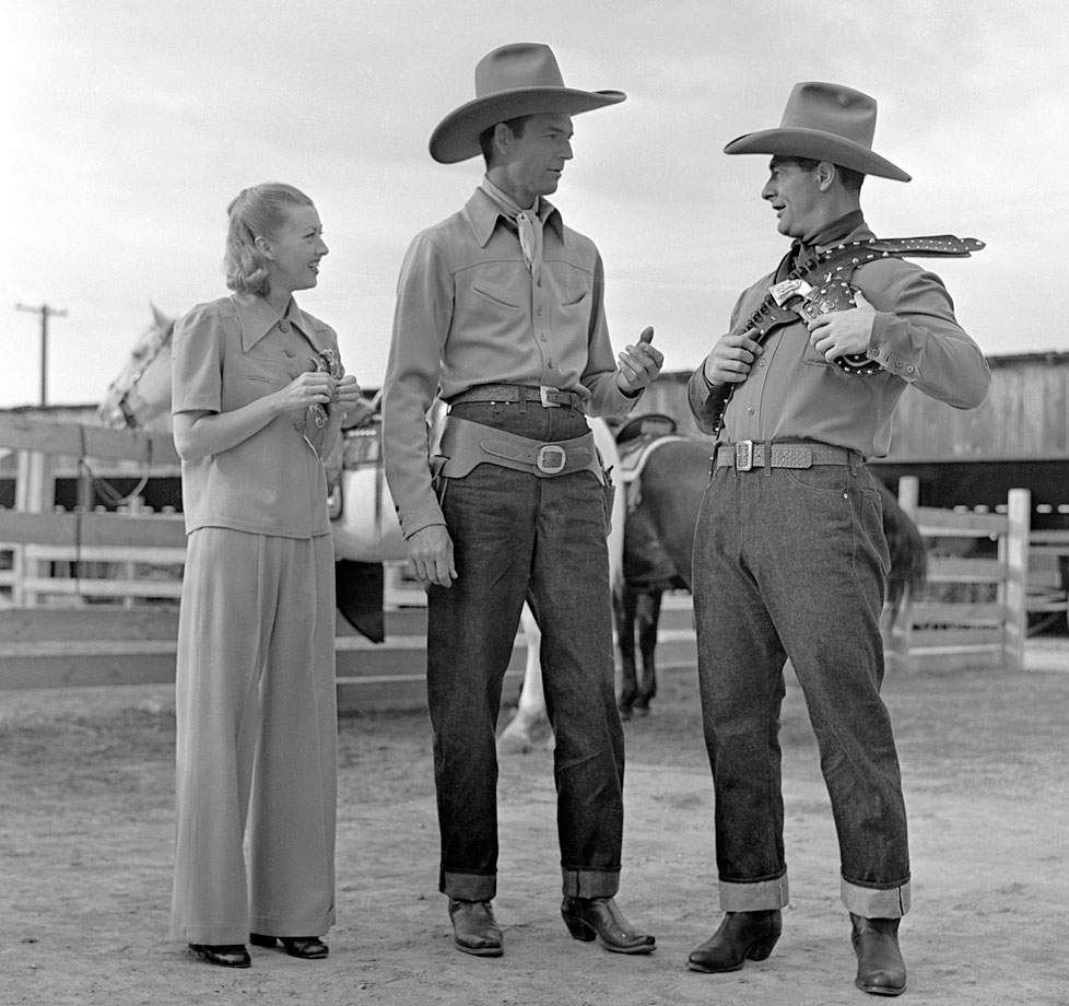 The Yankees first baseman starred as himself in the 1938 western film Rawhide — his only feature film appearance. Here Lou Gehrig, Smith Ballew, and Evalyn Knapp attempt to figure out how to wear a shoulder and belt holster.