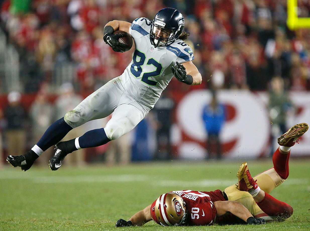 Luke Willson of the Seattle Seahawks avoids a tackle from Chris Borland of the San Francisco 49ers. The Seahawks defeated the 49ers 19-3.