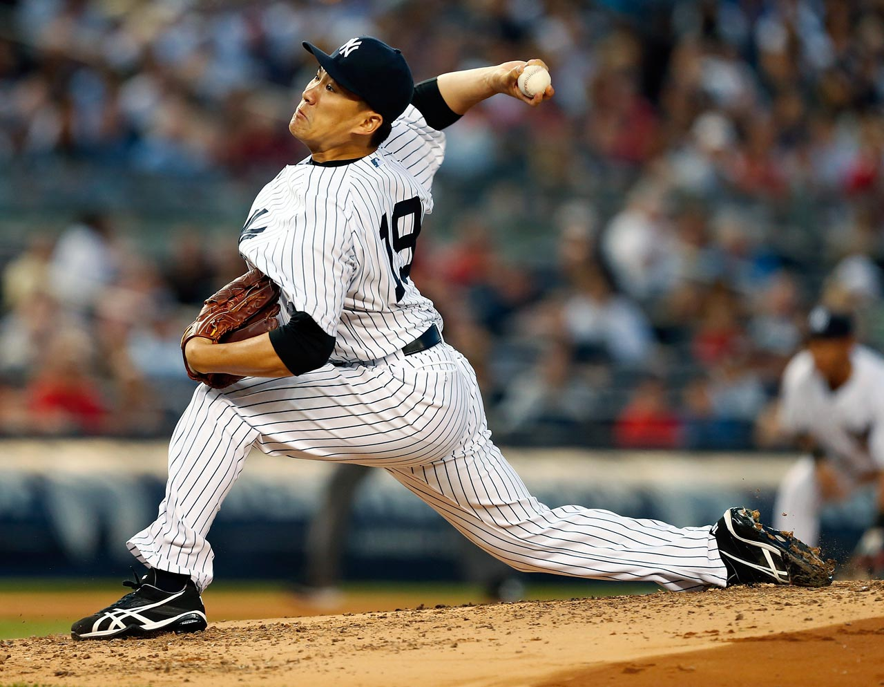 The Yankees, Dodgers, Cubs, White Sox and Diamondbacks were all viewed as finalists for the 25-year-old Japanese ace, but it was the Yankees who came out on top, signing Tanaka to a seven-year, $155 million deal. He was 24-0 with a 1.27 ERA in leading the Golden Eagles to the Japan Series title.