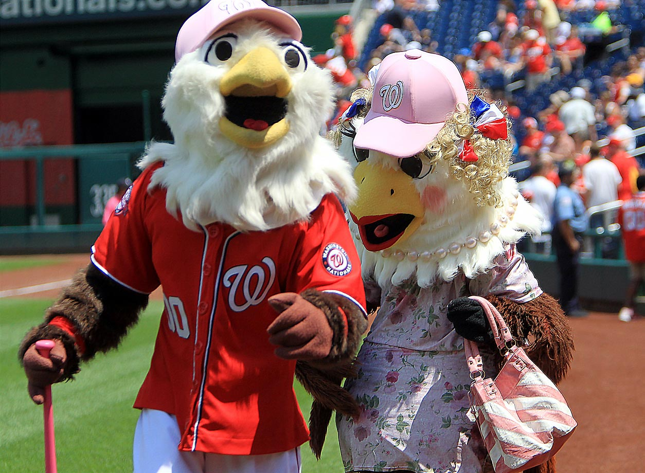 Shreek, the Nationals' mascot, brought his mother to the park for Mother's Day. Washington beat the Braves 5-4.