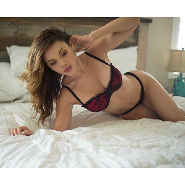 Melissa Santos :: @melissasantosofficial/Instagram