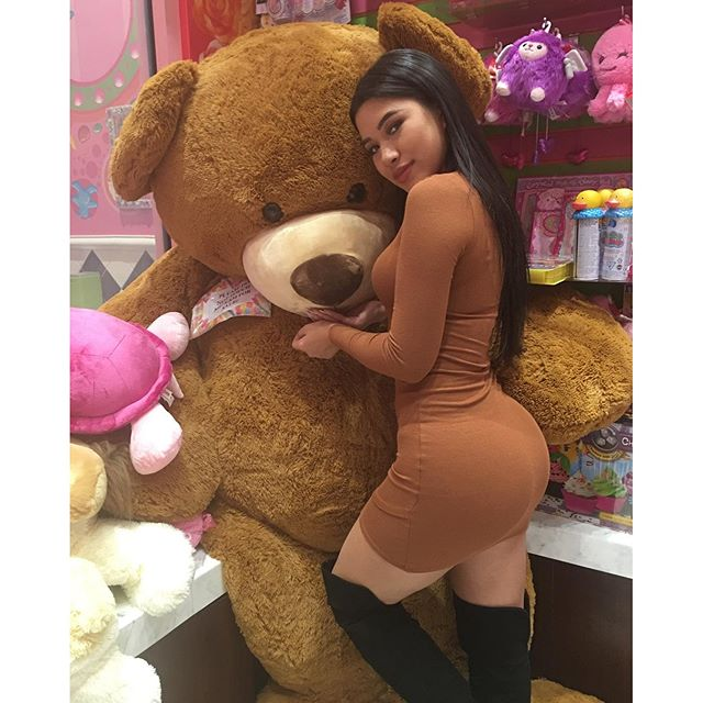 Julia Kelly :: @missjuliakelly/Instagram