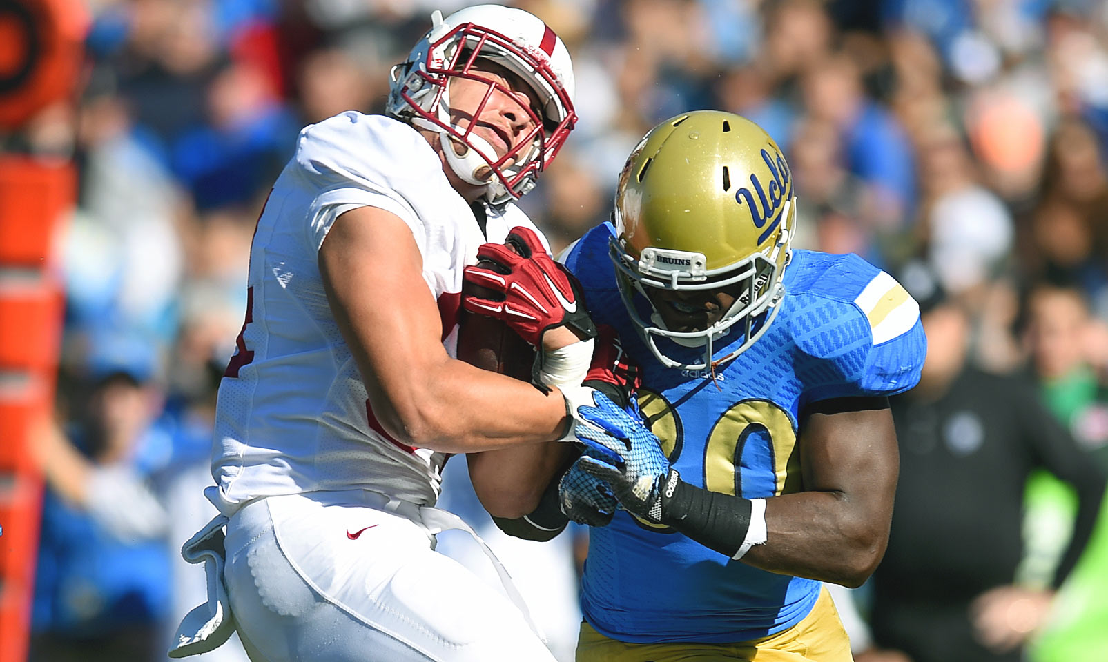 Jack is a tackle machine for the Bruins, and also spends some time evading tacklers on the other side of the ball. The former four-star recruit played both linebacker and running back in his first two seasons in Los Angeles, and he continues to be a true dual threat. With All-America linebacker Eric Kendricks gone, Jack's defensive responsibilities only increase.
