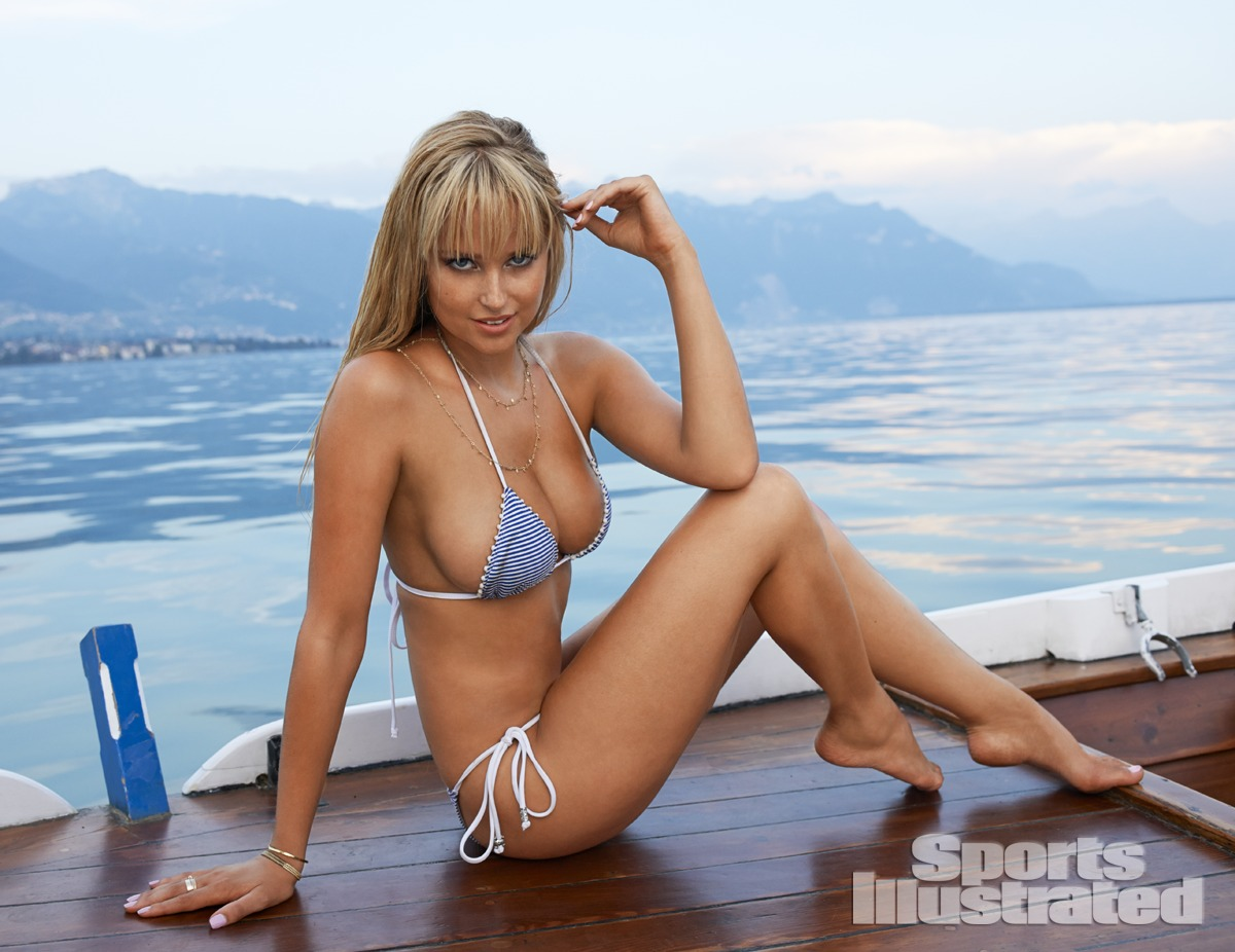 Throwback Thursday, 2010: Genevieve Morton in Palm Springs ...