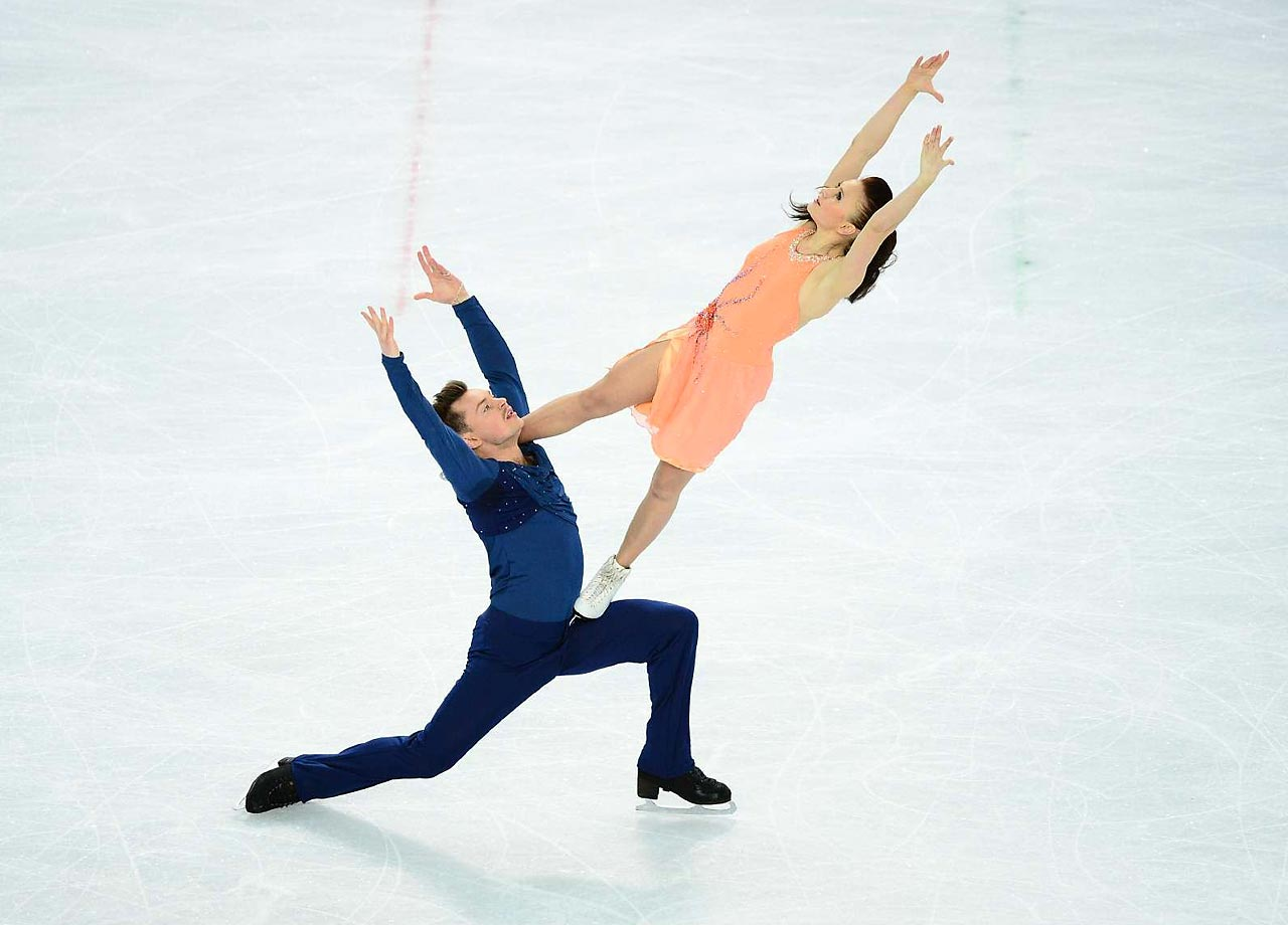 Julia Zlobina and Alexei Sitnikov of Azerbaijan in the figure skating final.