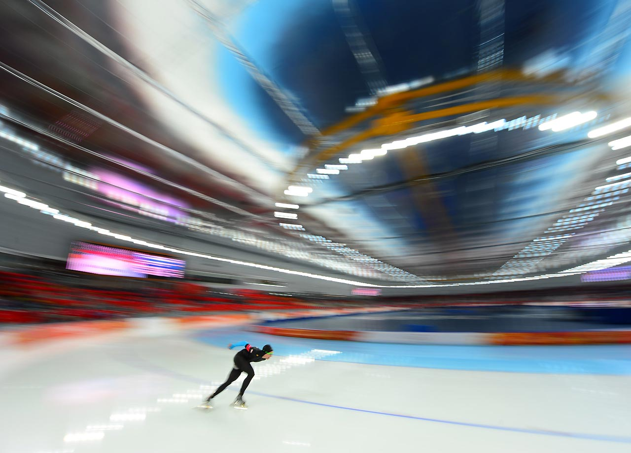 Overview at the mens 1500 meter Speed Skating.