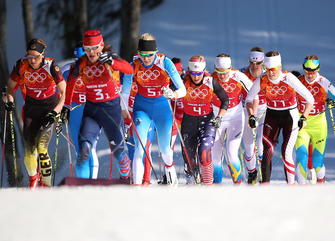 Kikkan Randall of the U.S. (Bib 4) during the first leg of the Cross Country Relay 4x5 km.