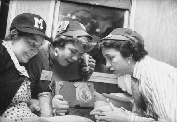 Baseball fans in 1950 :: Getty Images