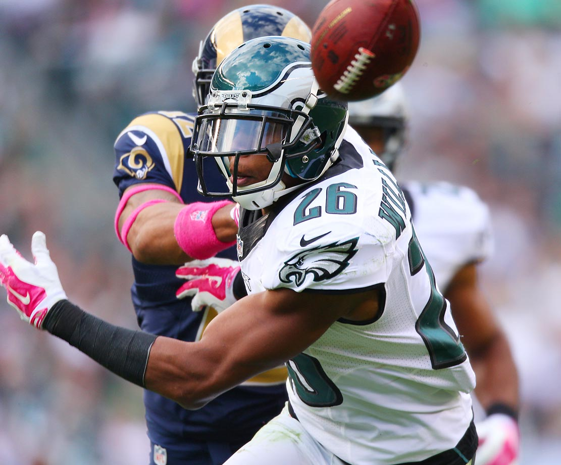 Philadelphia corner Cary Williams defends a pass intended for Stedman Bailey of the St. Louis Rams.
