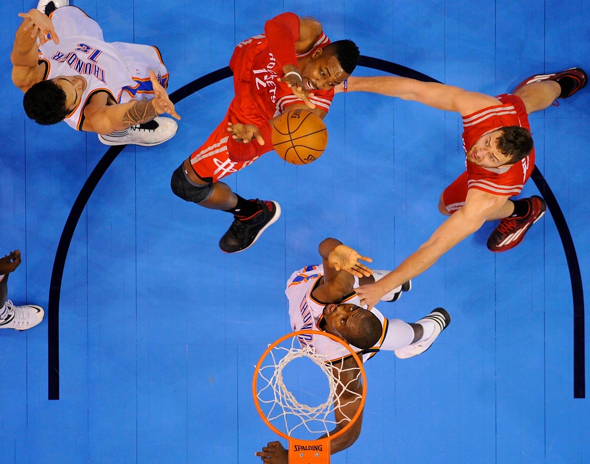 Dwight Howard goes for a shot against the Thunder. The Rockets won 69-65 in Oklahoma City.