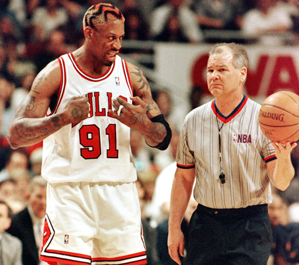 Dennis Rodman and Joey Crawford :: Getty Images