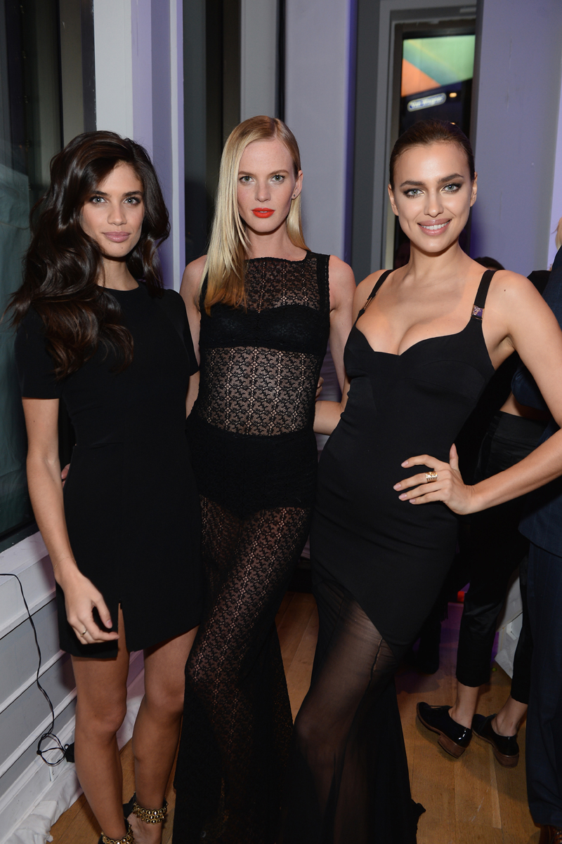 With Anne V and Irina Shayk