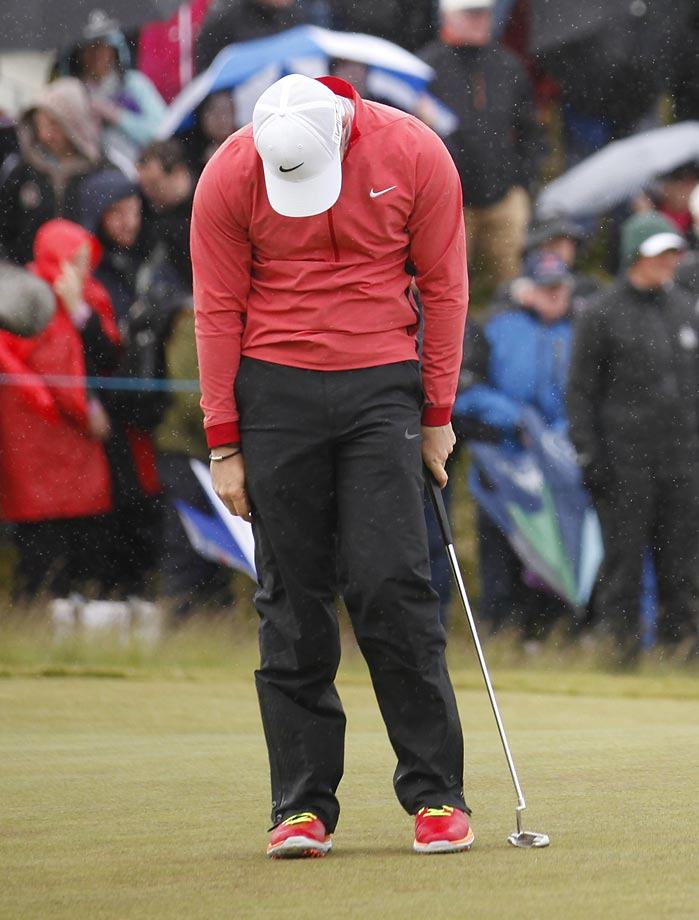 Rory McIlroy reacts after missing a putt on the 18th hole at the Irish Open.