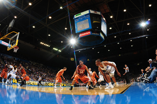 Texas at UCLA, Dec. 2007