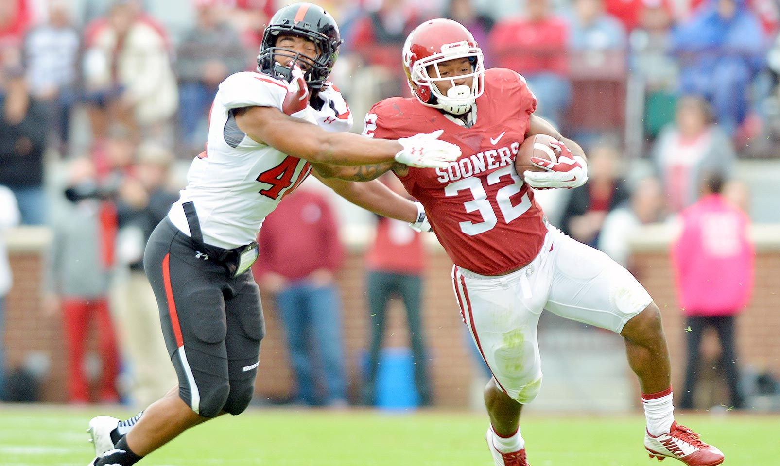 Oklahoma 63, Texas Tech 27: The Sooners' ground game ran all over the Red Raiders for 405 yards rushing. Samaje Perine led the charge with 201 yards and four scores while Joe Mixon added 154 yards and two more touchdowns. Oklahoma's defense aided the cause with four turnovers.
