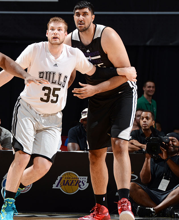 Sim Bhullar has played sparingly for the Kings at the Las Vegas Summer League.