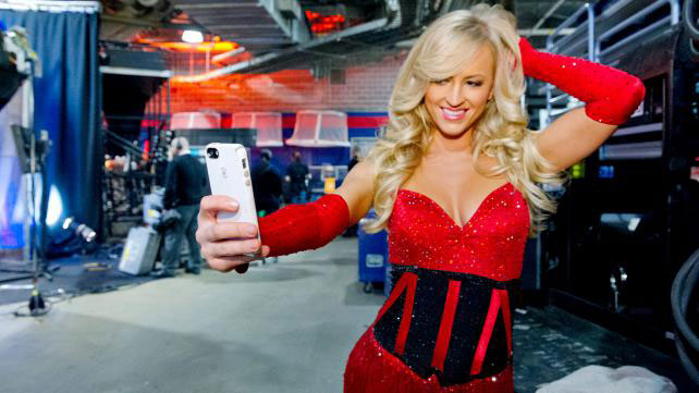 Summer Rae :: Courtesy of WWE