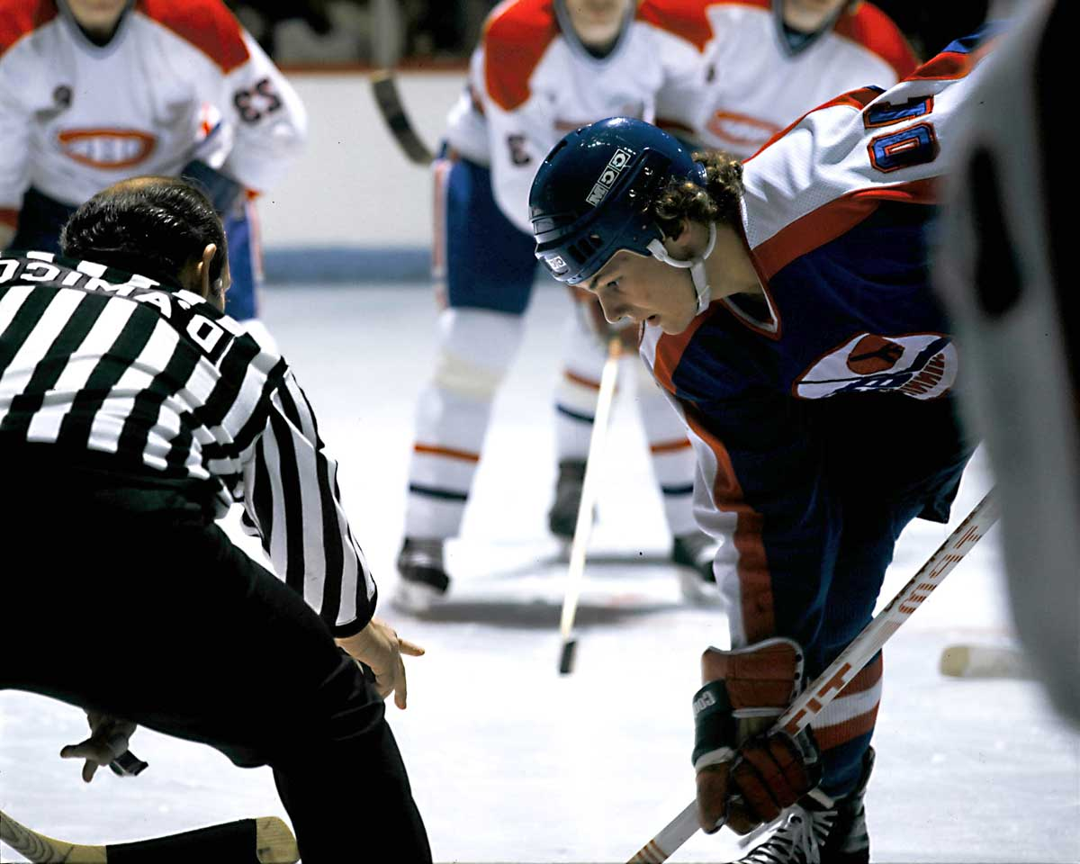The Canadian Major Junior Player of the Year was the first pick in the '81 NHL draft after his 81-goal, 183-point season in the QMJHL. An agile, quick playmaker and scorer, Hawerchuk won the Calder by becoming the first NHL rookie to post a 40-goal, 100-point campaign. He went on to become a Hall of Famer.