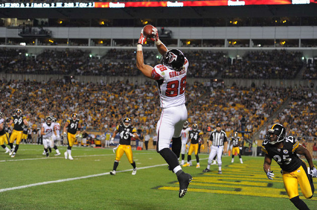 Gonzalez was invited to 14 Pro Bowls, a record for tight ends in the NFL, and he also became the first tight end to catch over 1,000 passes.