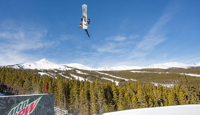 Tyler Nicholson in the men's slopestyle semifinals.