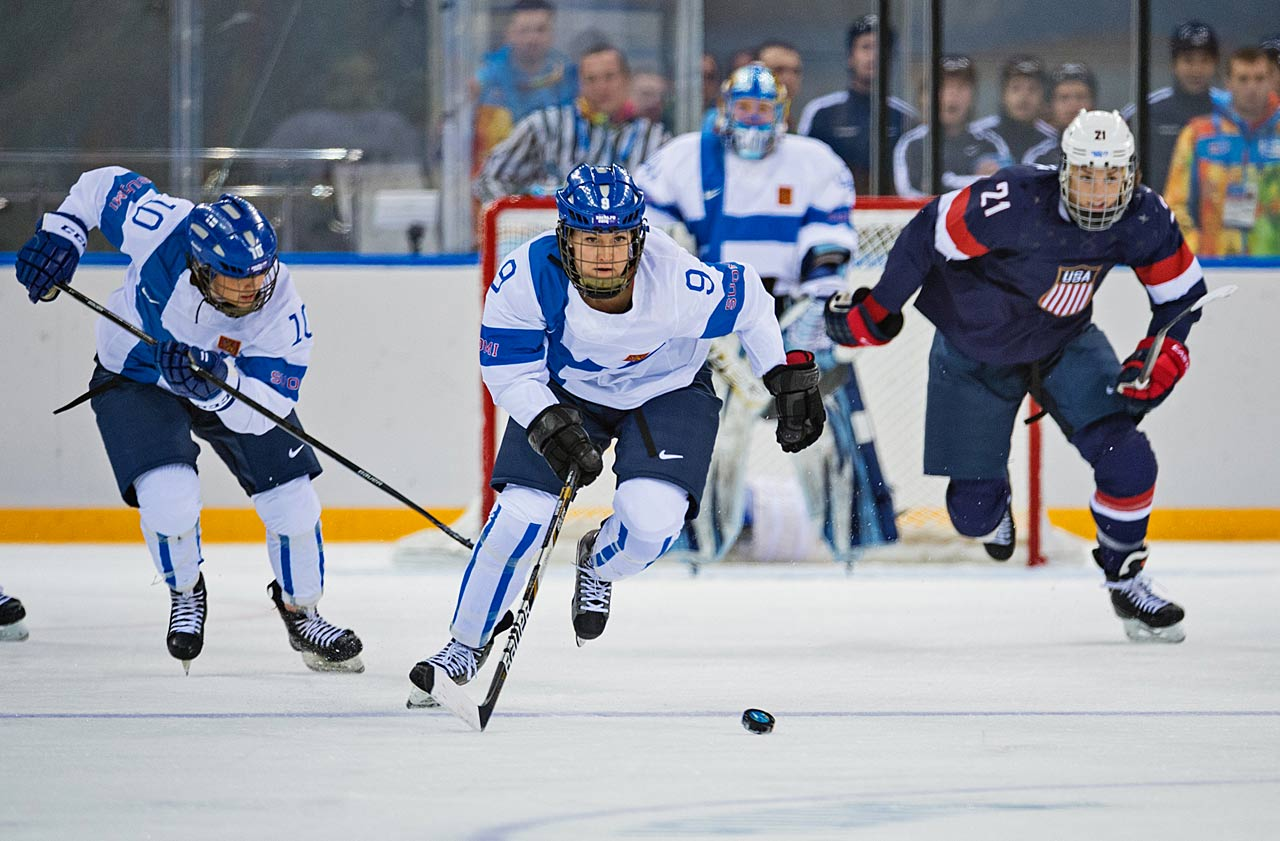 The U.S. outshot Finland 43-15 and can clinch a spot in the semifinals with a win over Switzerland on Monday.