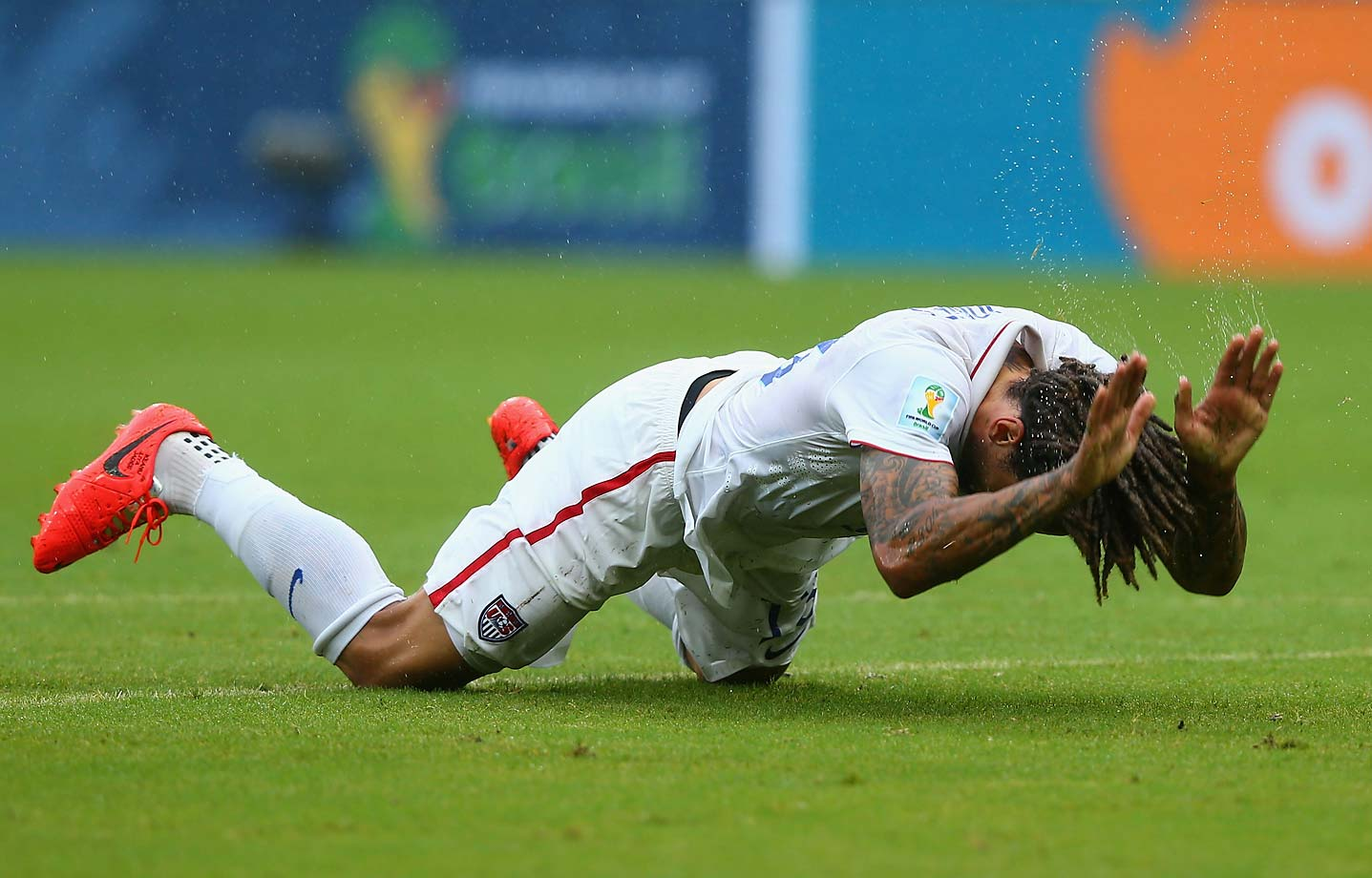 Jermaine Jones reacts in disappointment after failing to take advantage of a scoring chance.