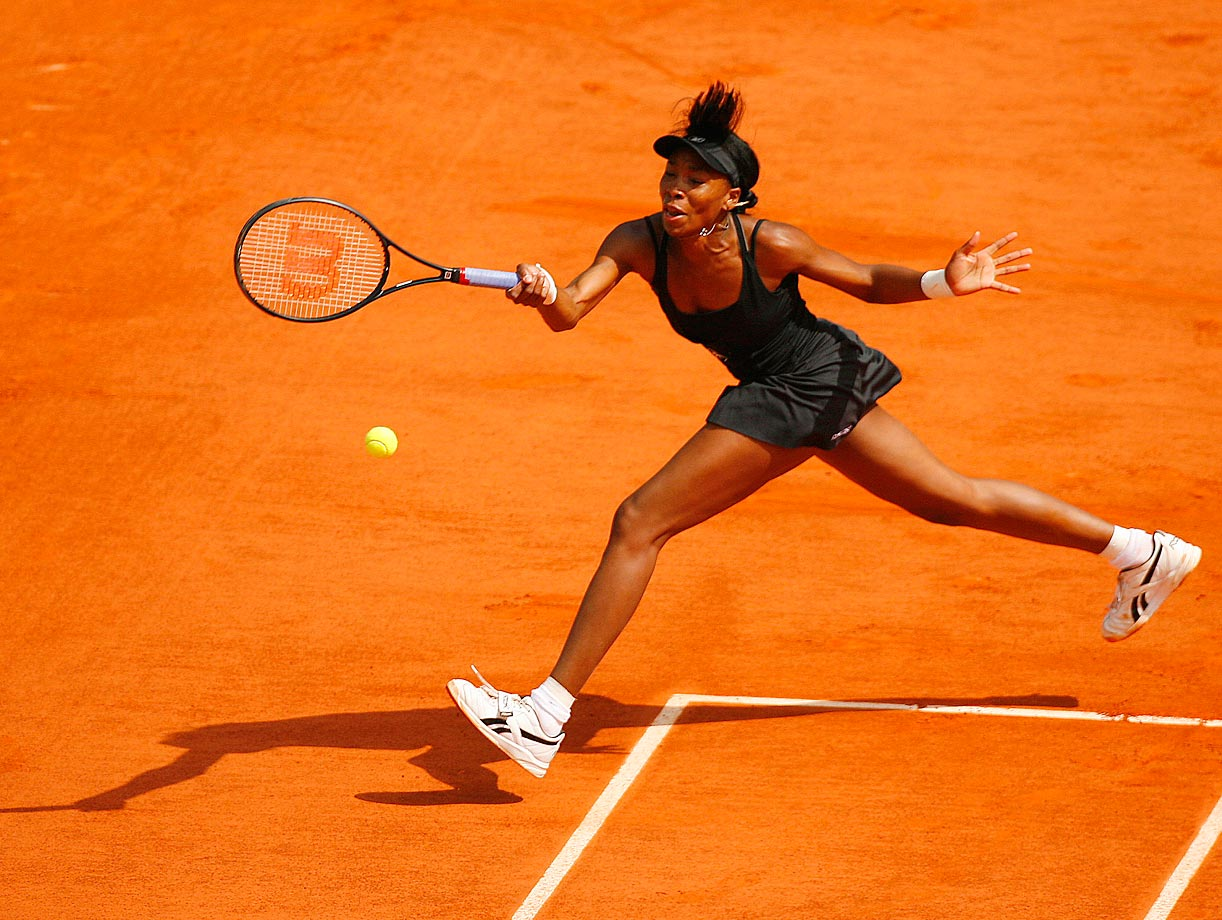 Bouncing back from a rough 2006 season, Williams made it to the third round of the French Open, where she lost to Jelena Jankovic for the third-straight time. In the tournament, Williams hit a 128 mph serve, then the fastest woman's serve ever recorded during a main draw match.