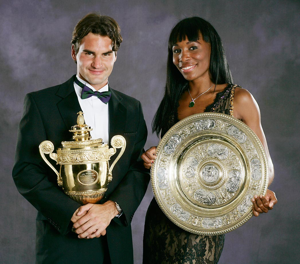 Williams, the 2007 Wimbledon women's singles champion, poses with Roger Federer, the 2007 Wimbledon men's singles champion, at the Champions' Dinner.
