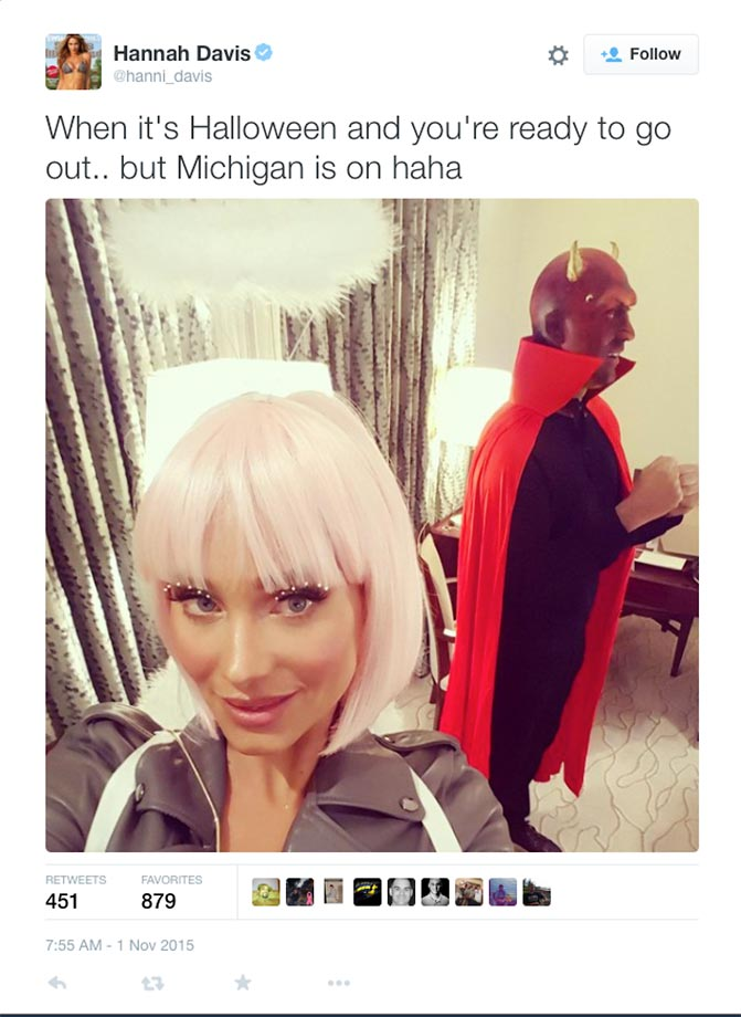 Hannah Davis and Derek Jeter in their halloween costumes.