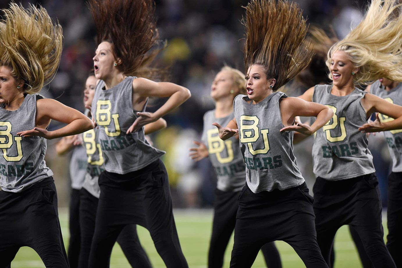 Baylor cheerleaders had hair issues at a game against Oklahoma.