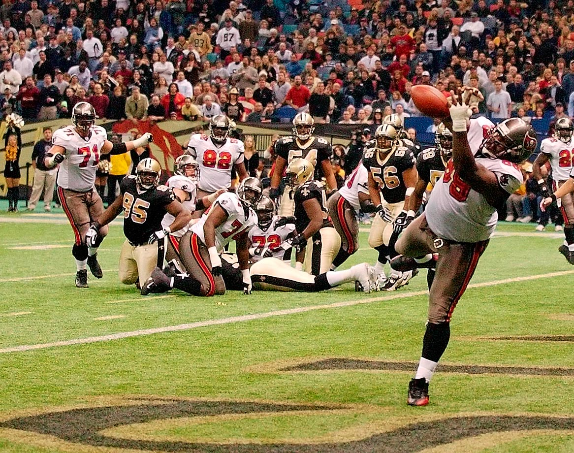 The Buccaneers defensive tackle caught two touchdowns during the 2003 regular season, including a six-yard reception against the Falcons and a one-yard grab against the Saints.