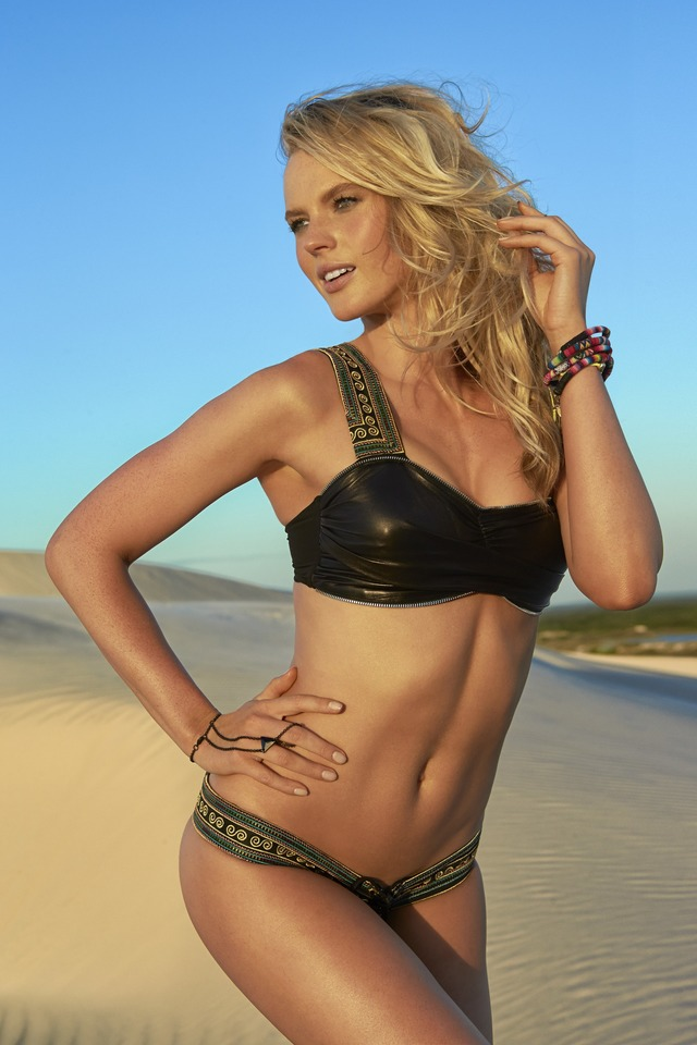 Swimsuit: 2014 Issue: Portrait of Anne V during photo shoot. ; Brazil 6/6/2013; CREDIT: Raphael Mazzucco; SetNumber: X156596 TK1