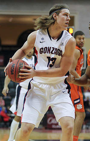 Kelly Olynyk and the Gonzaga Bulldogs are off to their strongest start in school history.