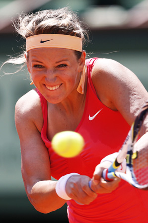 Victoria Azarenka dropped the first set, but rallied to dispatch Alberta Brianti in the first round of the French Open.