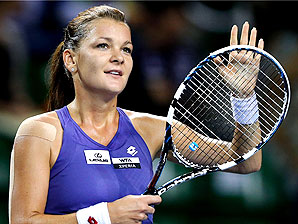 Agnieszka Radwanska will defend her title against Nadia Petrova in the Pan Pacific Open final.