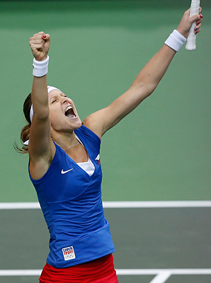 Lucie Safarova gave the Czechs a solid start on the indoor hard-court at the O2 Arena by defeating Ana Ivanovic 6-4, 6-3.