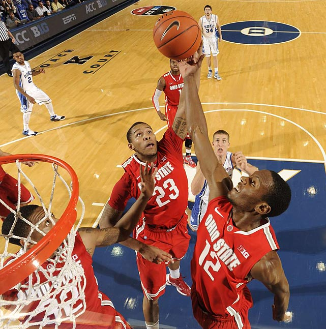 Ohio State's Amir Williams (left) and Sam Thompson in action against Duke in Durham. The No. 2 Blue Devils edged the No. 4 Buckeyes 73-68.