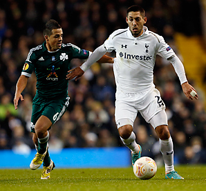 Clint Dempsey scored to help Tottenham advance.