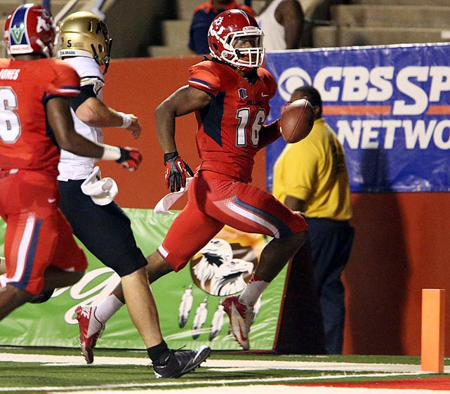 If Antonio Andrews is the best offensive player you've never heard of, Thomas is his defensive counterpart. Fresno State's senior defensive back returned from an injury that forced him to miss all of 2011 and corralled an FBS-leading eight interceptions -- three of which he brought back for touchdowns.