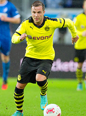 Mario Geotze knocked in the first goal of the day for Dortmund in the victory.