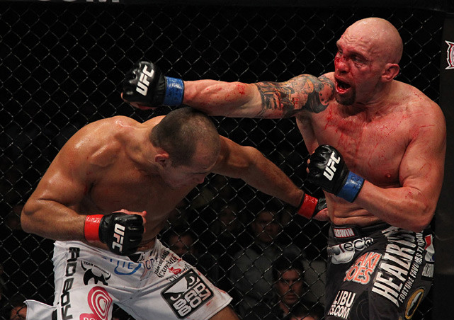 When Dos Santos' title shot against Cain Velazquez was scuttled due to a Velazquez injury, the Brazilian stopped in as one of the coaches on TUF 13 and defeated Shane Carwin in the finale via unanimous decision.