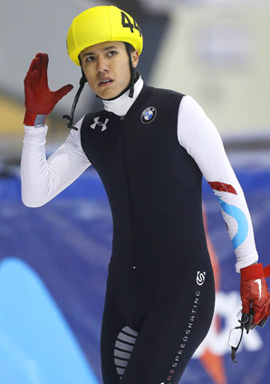 JR Celski won gold in the 500 and 1500 meters at the U.S. short track speedskating championships.